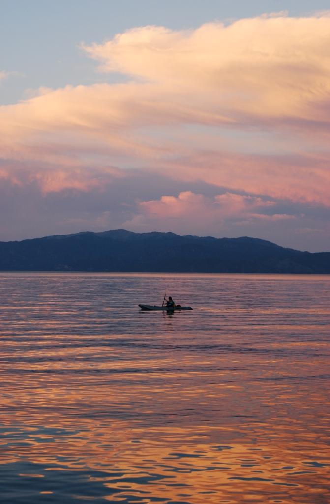 lone-kayak